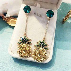 NEW Dainty Gold Pineapple Rhinestone Earrings